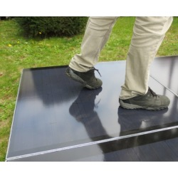 Plug and play photovoltaic soil. Color walkable solar tile 500x500mm
