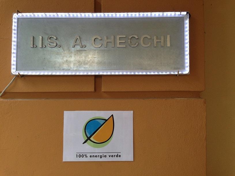 Istituto Checchi di Fucecchio, insegna luminosa led alimentata ad energia solare