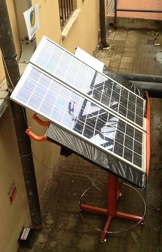 Istituto Checchi di Fucecchio, vecchio tecnigrafo utilizzato come base di appoggio per i pannelli fotovoltaici