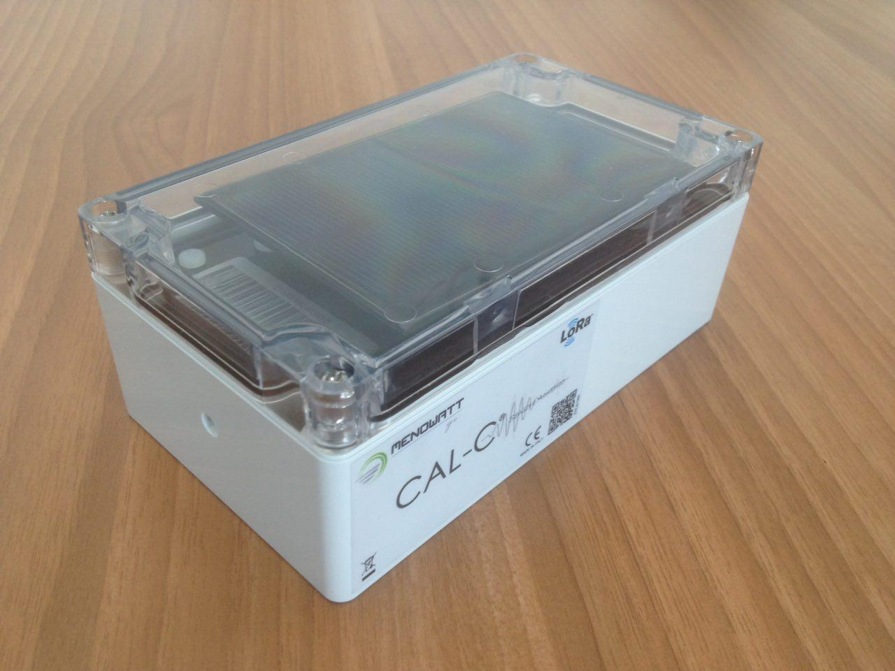 Noise pollution sensor CAx-C made by MenoWatt-GE and powered by MR WATT solar module