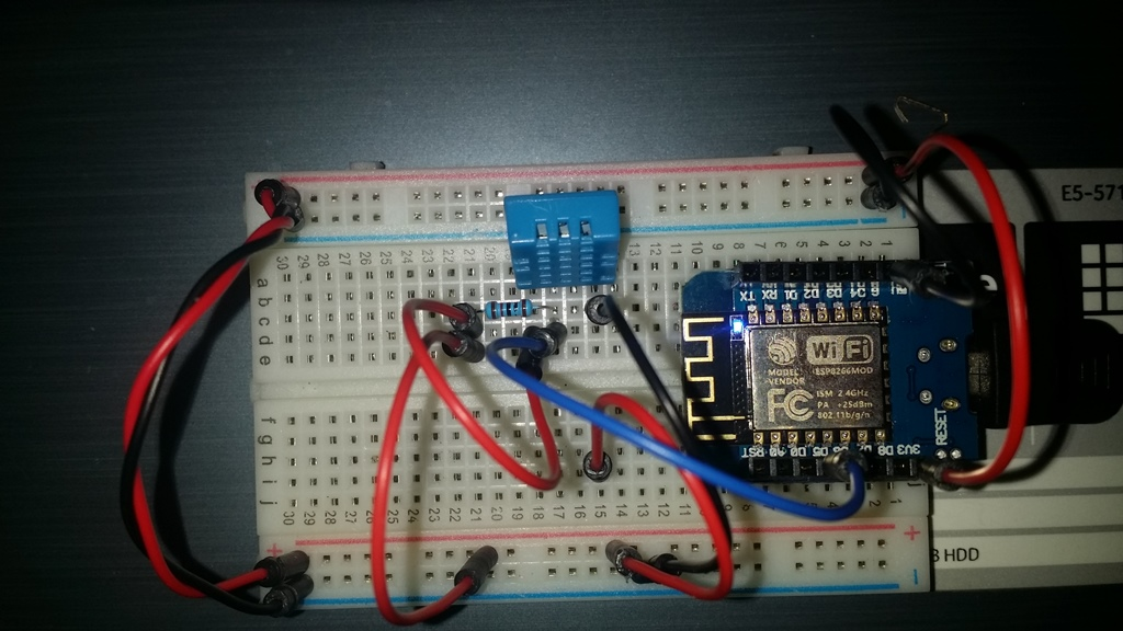 DHT11 sensor data to Thingspeak using a Wemos D1 - MR WATT Shop