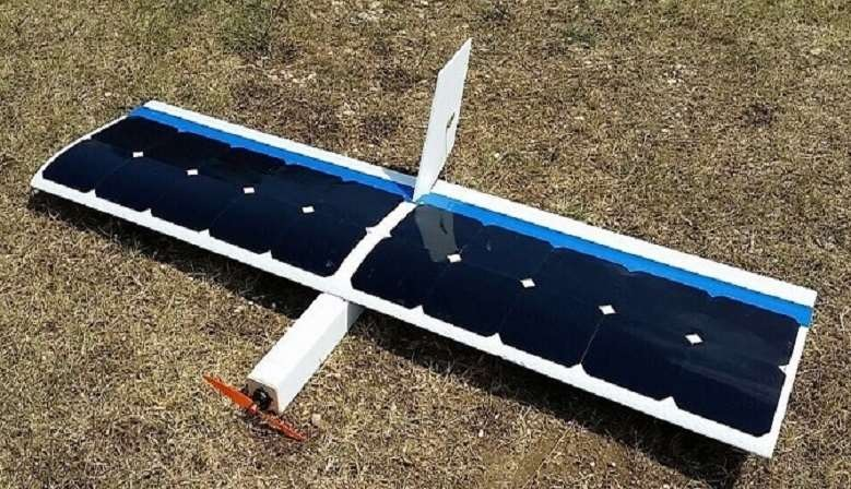 RC solar plane, fly without batteries, powered by solar cells.