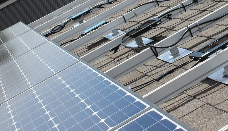 Vi presentiamo i nostri KIT fotovoltaici casa con o senza accumulo detraibili al 50% facili da installare ed economici